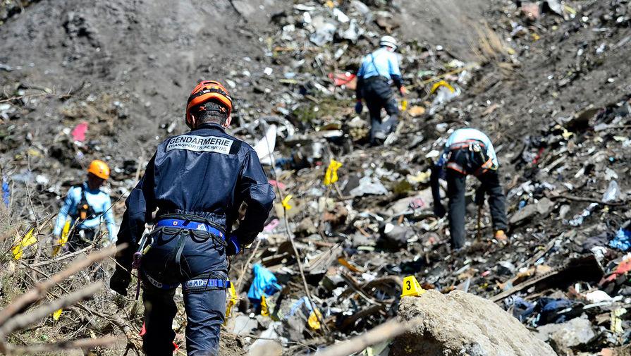 Аварийно-спасательные работы на месте крушения самолета Airbus A320 авиакомпании Germanwings, 24 марта 2015 год