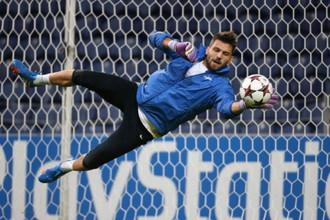 По мнению Анатолия Бышовца, лучшим в составе «Зенита» в матче с «Порту» стал голкипер Юрий Лодыгин