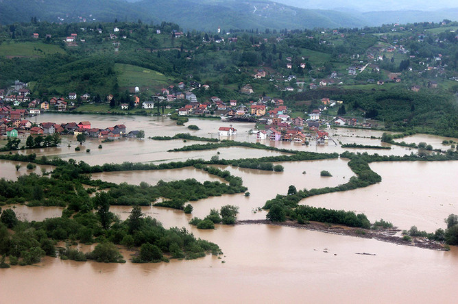 Вид на затопленный пригород Сараева