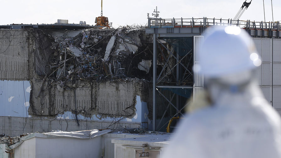Япония сбросит воду с аварийной АЭС Фукусима в океан