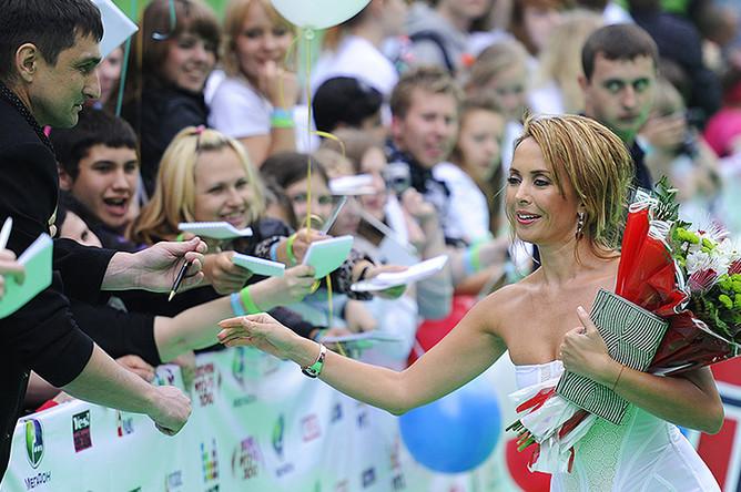 Жанна Фриске перед началом церемонии вручения премии «Муз-ТВ-2010»
