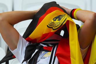 Болельщик сборной Германии после окончания матча группового этапа чемпионата мира по футболу между сборными Республики Корея и Германии