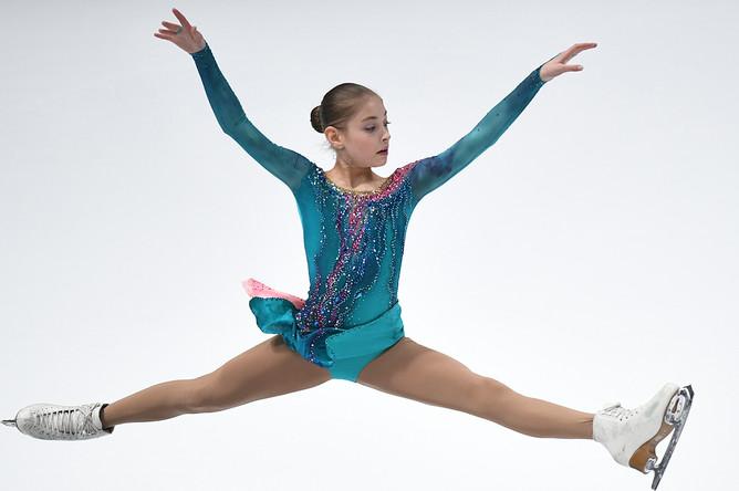 Алёна Косторная выступает в произвольной программе женского одиночного катания на чемпионате России по фигурному катанию в Санкт-Петербурге