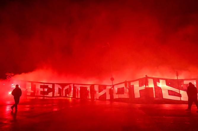 Болельщики «Зенита» в аэропорту «Пулково» во время празднования победы команды, 4 мая 2019 года
