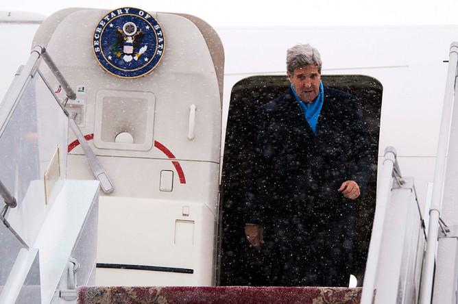Госсекретарь США Джон Керри в аэропорту Борисполь