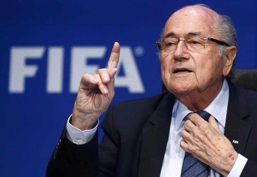 Blatter Canni İnfantinonu tənqid etdi -