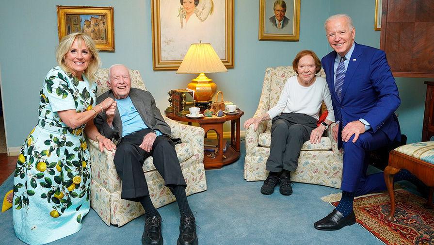 Байдена высмеяли за фотографию с бывшим президентом США