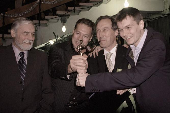 2002 год. Актерская династия Янковских: Ростислав, Игорь, Олег и Филипп (слева направо)