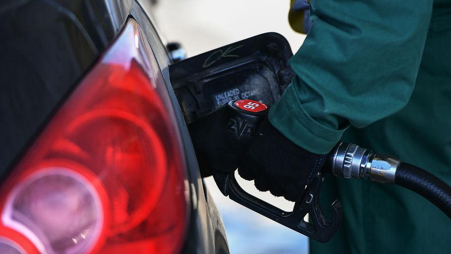 Минэнерго объяснило, почему цена бензина не снижается на фоне удешевления нефти