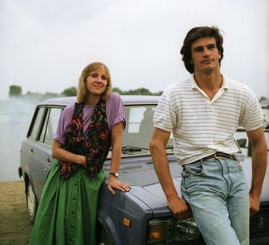 Елена Яковлева и Денис Карасев в фильме «Русская рулетка» (1990)