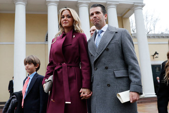 Дональд Трамп-младший с супругой Ванессой и детьми