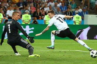 Во время матча группового этапа чемпионата мира по футболу между сборными Германии и Швеции в Сочи, 23 июня 2018 года
