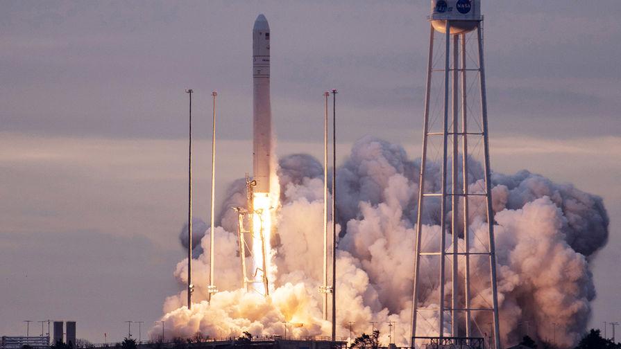 Старт ракеты-носителя «Антарес» с кораблем Cygnus с космодрома Уоллопс в штате Виргиния, 2017 год