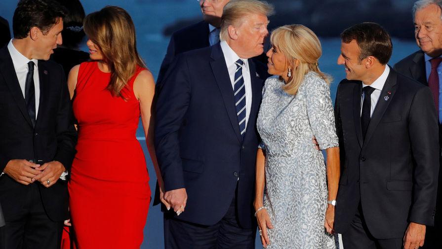 Премьер-министр Канады Джастин Трюдо, первая леди США Меланья Трамп, президент США Дональд Трамп, первая леди Франции Брижит Макрон и президент Франции Эммануэль Макрон на саммите G7, 25 августа 2019 года