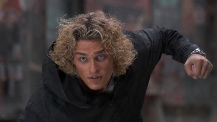 Кадр из фильма «Обитаемый остров» (2008)