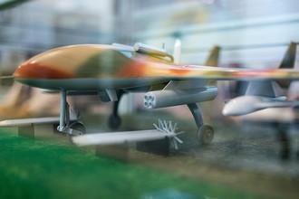Макет белорусского разведывательно–ударного беспилотника «Буревестник МБ» на XX Международной выставке средств обеспечения безопасности государства «Интерполитех- 2016» в Москве