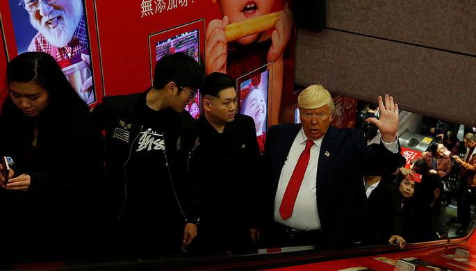 Двойники Дональда Трампа и Ким Чен Ына в Гонконге, 25 января 2017 года