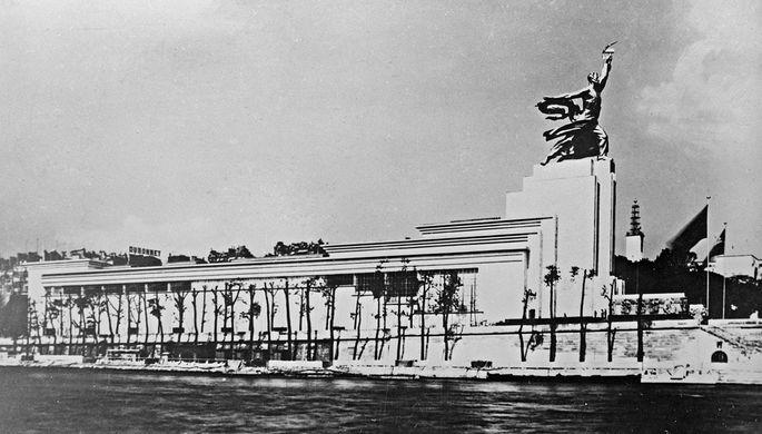 Павильон СССР на Международной выставке в Париже, проходившей в 1937 году