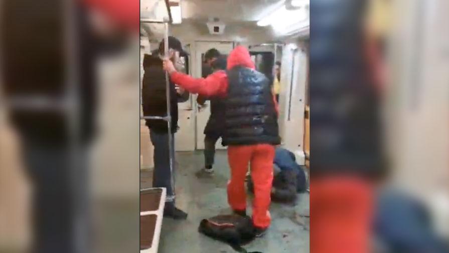 Боец UFC Махачев осудил избивших москвича в метро дагестанцев