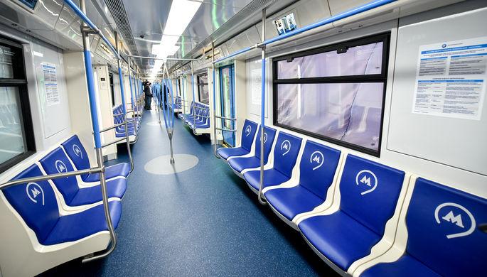В «Москве» появится новый для столичного метро тип поручней – вертикальные, установленные в...