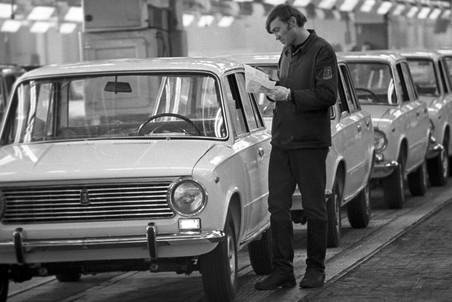 Кто внедрил первый конвейер по выпуску автомобилей элеватор для итп купить