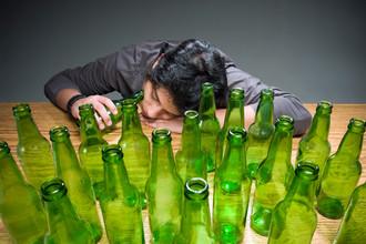 Социальные сети должны предупреждать о смертельной опасности вирусной алкогольной интернет-игры Neknominate
