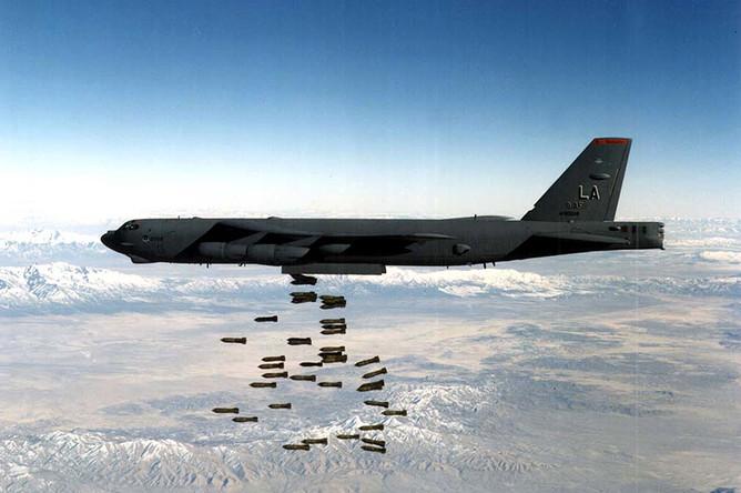 Бомбардировщик НАТО в действии