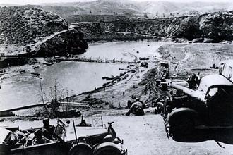 Наибольшие сложности для ненецкого продвижения на Балканах представляла собой местность, особенно в Греции, где солдаты противника умело расставляли засады в горах, после чего без следа растворялись на хорошо знакомой им территории