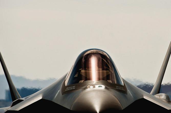 Истребитель пятого поколения F-35