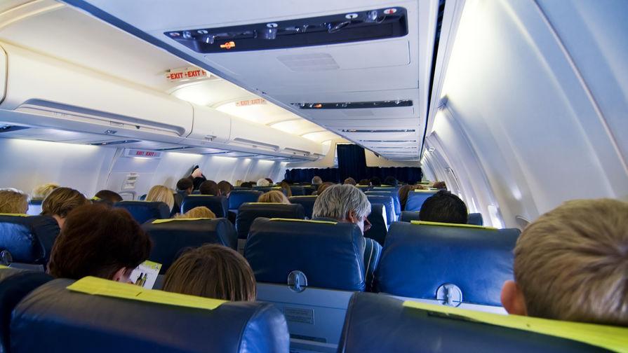 Самолет вынужденно сел в Петрозаводске из-за курившего пассажира