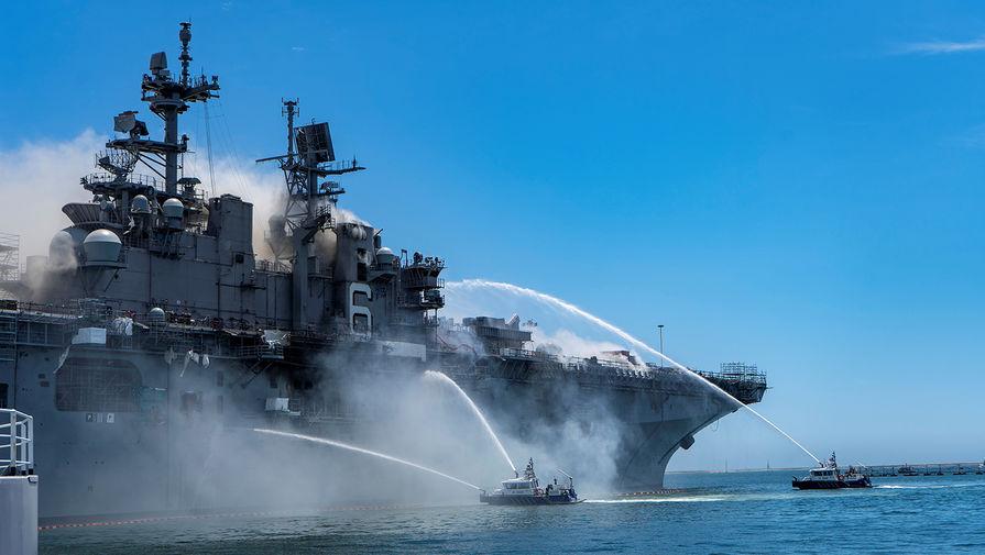 Прогорит до ватерлинии: 21 человек пострадал при пожаре на корабле США