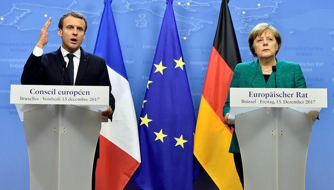 Президент Франции Эммануэль Макрон и канцлер ФРГ Ангела Меркель во время саммита Европейского союза...