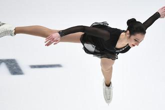 Полина Цурская выступает в произвольной программе женского одиночного катания на чемпионате России по фигурному катанию в Санкт-Петербурге