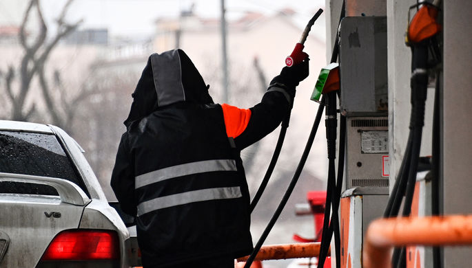 «Беспрецедентная ситуация»: как могут вырасти цены на бензин