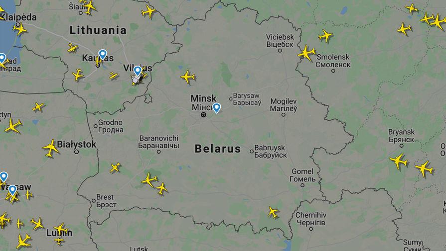 По данным сайта Flightradar24 на 10:30 МСК 25 мая 2021 года в небе над Белоруссией находится всего 5 самолетов (один российский самолет, один самолет Узбекистана, два самолета авиакомпании «Белавия» и один частный самолет)