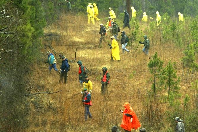 Операция по поиску обломков шаттла «Колумбия» в Бронсоне, штат Техас, 9 февраля 2003 года