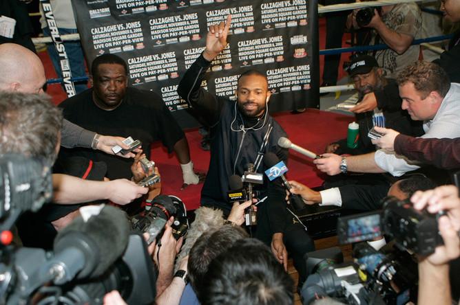 Рой Джонс общается с журналистами, 2008 год