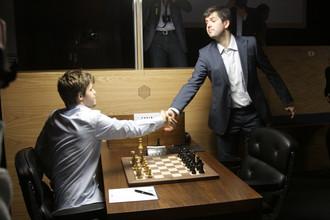 Магнус Карлсен проиграл последний матч, но право на матч с Вишванатаном Анандом получил именно он