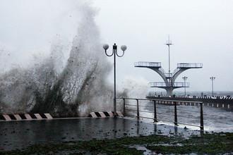 Водная станция Тихоокеанского флота во Владивостоке во время тайфуна «Гони»