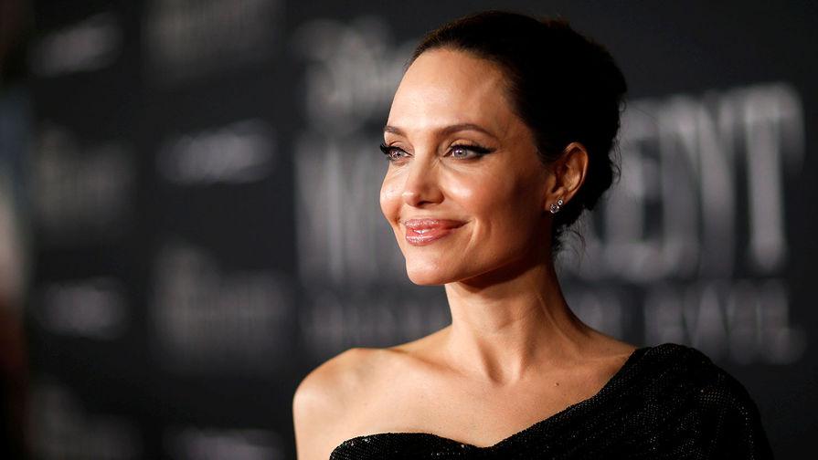 Анджелина Джоли зарегистрировалась в Instagram для поддержки афганцев - Газета.Ru   Новости