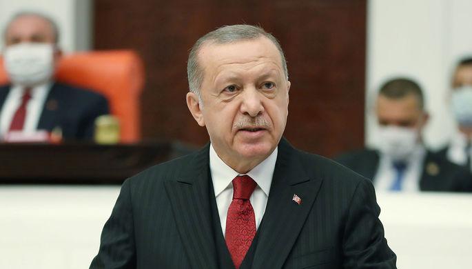 Вооружают Армению: Эрдоган осудил Россию, США и Францию