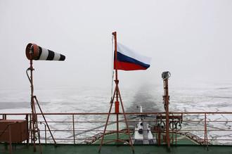 Атомный ледокол «50 лет победы» в Финском заливе.