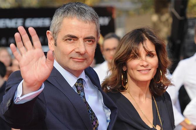 Роуэн Аткинсон с бывшей супругой Санэтр Сэстри