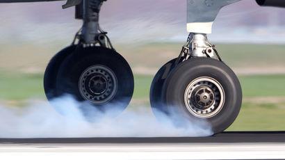 Росавиация уличила авиакомпанию Red Wings в экслуатации самолета с неисправным тормозом