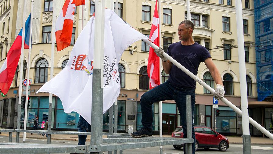 Ряд стран может снять национальные флаги в знак солидарности с Белоруссией