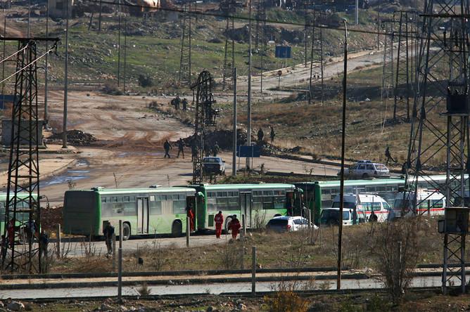 Колонна транспорта для эвакуации из Алеппо, 15 декабря 2016 года
