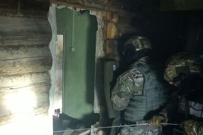 На месте нейтрализации бойцами спецназа террористов в городе Кольчугино Владимирской области, 22 мая 2019 года