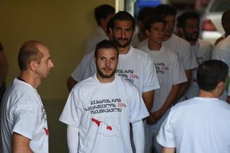 Футболисты «Локомотива» из Тбилиси в майках с антироссийскими лозунгами