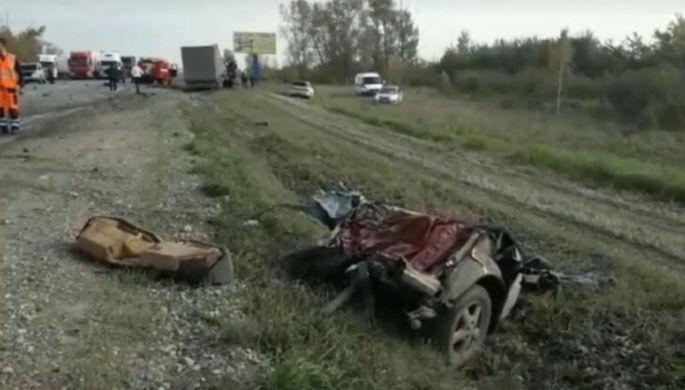 Полицейская погоня: в ДТП под Иркутском погибли пять человек