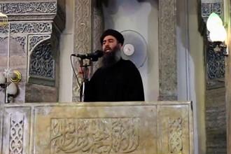 Абу Бакр аль-Багдади в мечети Мосула, видеозапись была опубликована 5 июля 2014 года